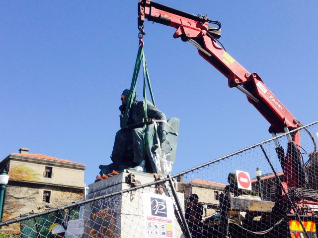 Removal of the UCT Cecil John Rhodes Statue, April 2015