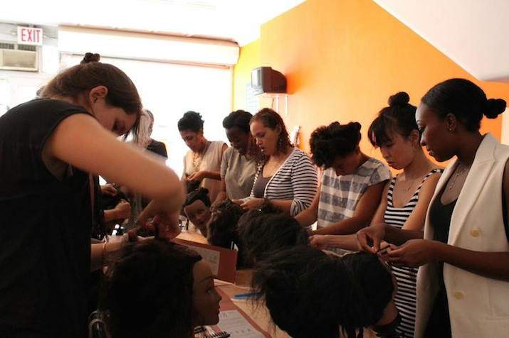 Documentation on Ruka (to braid/ to knit/ to weave), 2014 , community braiding workshop. Photo: Nontsikelelo Mutiti.