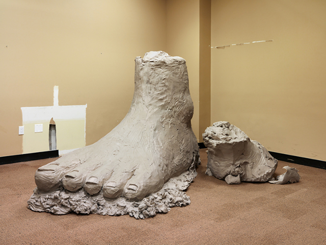 Urs Fischer  big foot 2014, Cast bronze, 154.9 x 157.5 x 238.8 cm