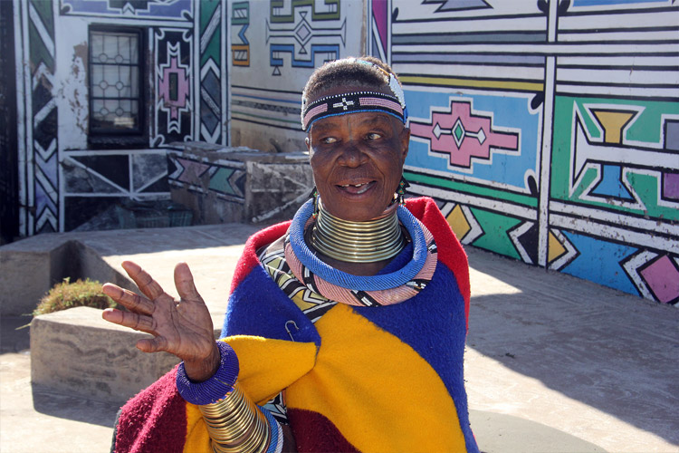 Portrait of Esther Mahlangu: Morrel Shilenge