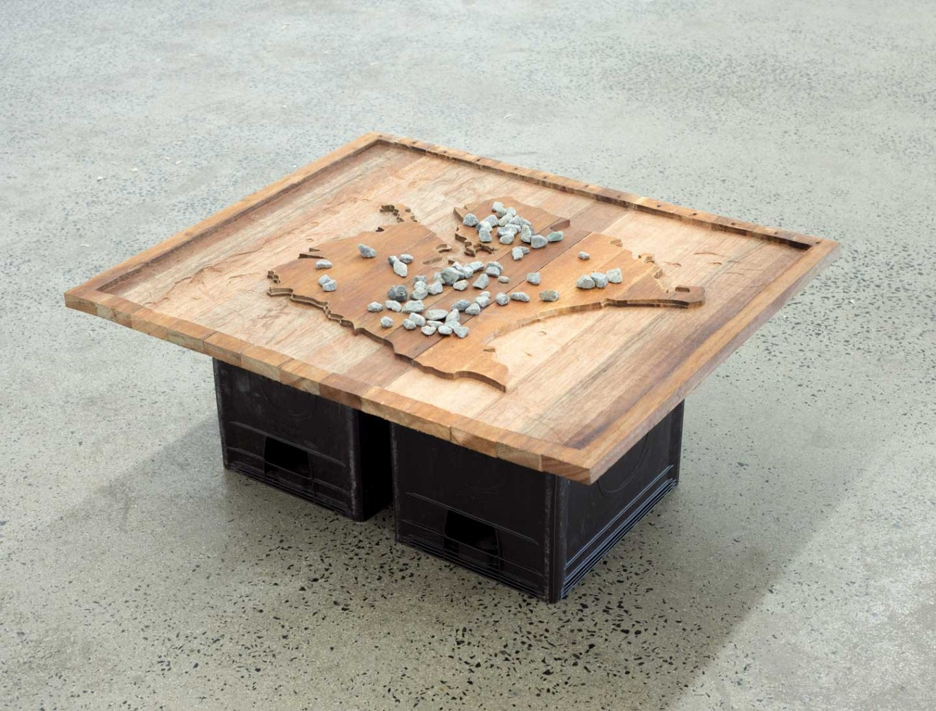 Lungiswa Gqunta, Hata!, 2016. Reclaimed wood, stones, and beer crates, 85 x 73 x35 cm