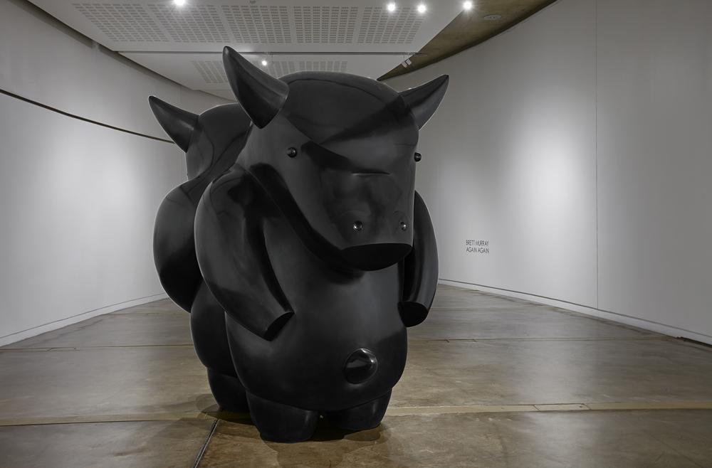 Brett Murray, Again/Again (Monumental), 2015. Bronze, 250 x 182 x 265 cm